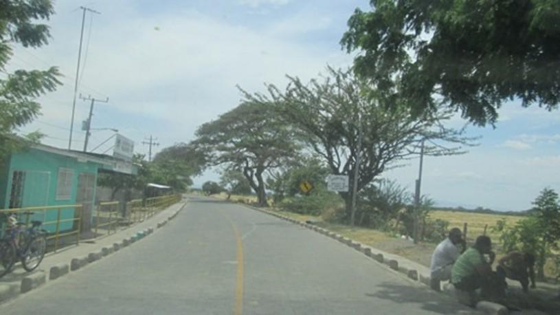 En-Malacatoya-esta-importante-arteria-vial-tanto-para-el-sector-productivo-como-para-la-vehicular2C-muy-pronto-recibiendo-continuo-mantenimiento-815x458