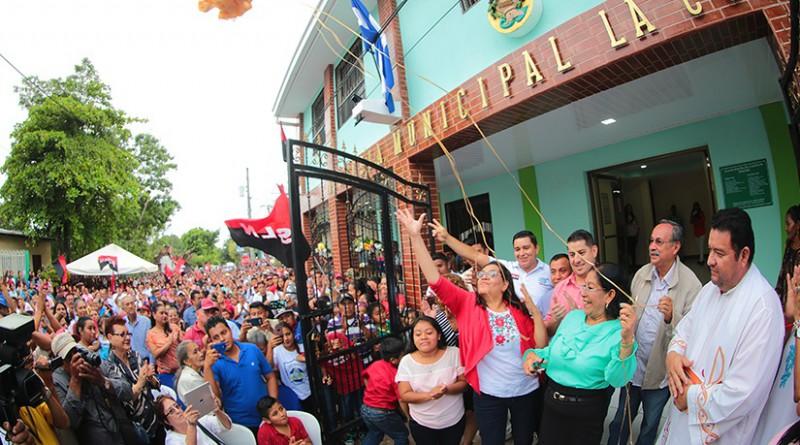 En La Concepción, acto inaugural del edificio de la alcaldía vandalizado por los terroristas