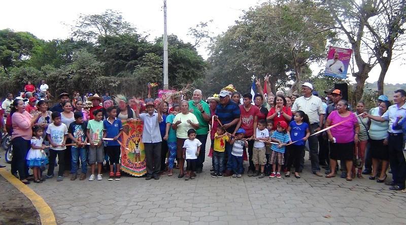 Inauguración de calle en la comunidad El Comején