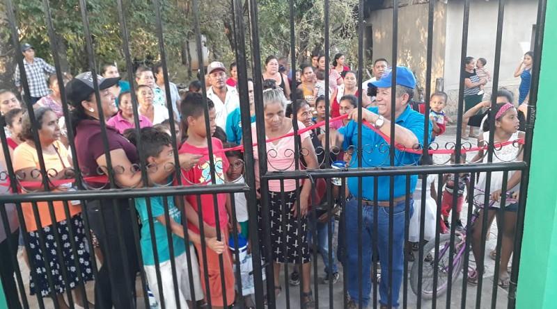 Inaugurando mejoras en el parque de ferias en el sector Los Fuentes Santo Tomás del Norte