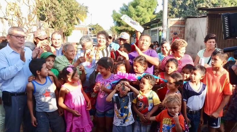 Doce calles nuevas favorecieron directamente a pobladores del reparto Bayardo Arce en Chinandega, y ciudadanos de las comunidades San José de Apante y Dirita en Telica y Ticuantepe respectivamente. Fot corresponde a inauguración de calle reparto Bayardo Arce