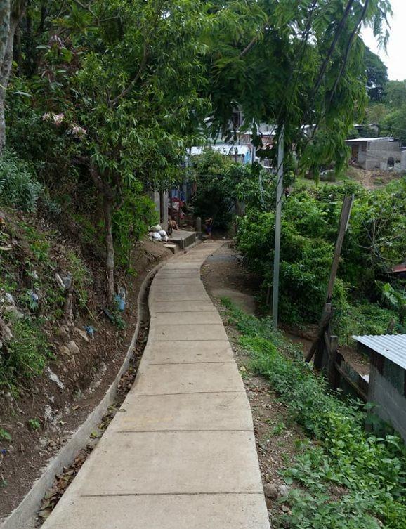Gradas y andenes en barrio Germán Pomares, Jinotega
