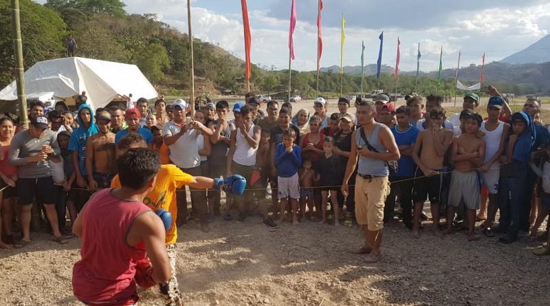 Una jugadita de boxeo en el Río Coco