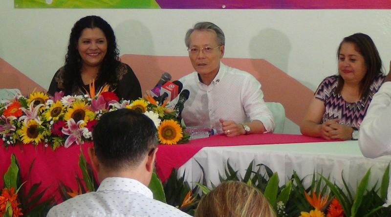 Ssñor Jaime Chin Mu, embajador de Taiwán, Janina Noguera, alcaldesa de Masaya, Justa Pérez,  titular del Ministerio de Economía Familias (MECFA) y