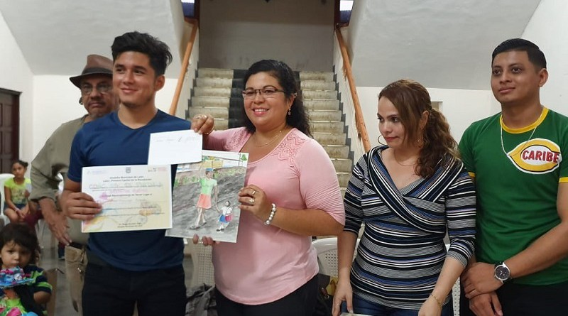 En León, concursantes presentan obras