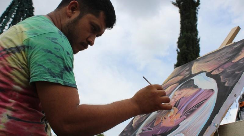 En San Ramón la pintura rinde tributo a la madre