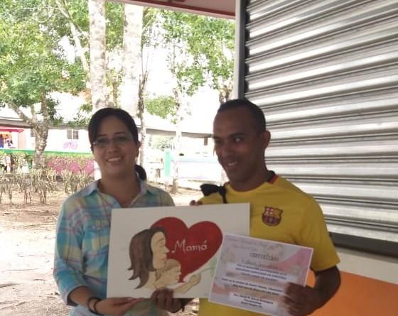 Concursante de Acoyapa recibe reconocimiento de participación