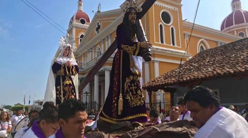 Glendys Georgina García captó el viacrucis de Catedral y obtuvo tercer lugar