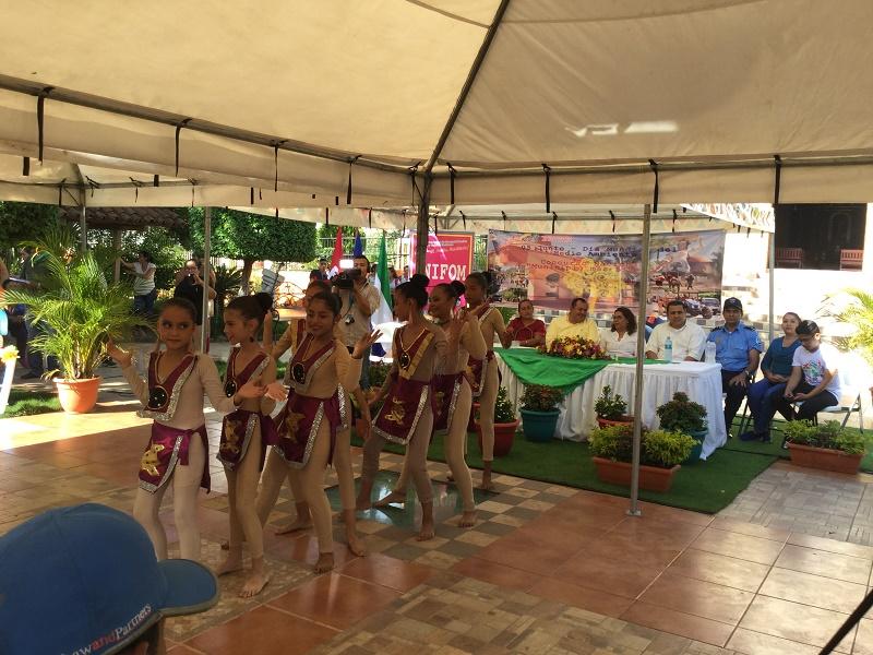 El grupo Flor de Abril, deleita con la danza árabe Alborada