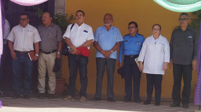 Unidad y responsabilidad compartida para hacer de Juigalpa una ciudad limpia. En la foto representantes de las instituciones