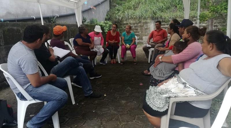 Planificando jornadas en reunión con comerciantes del mercado de Boaco