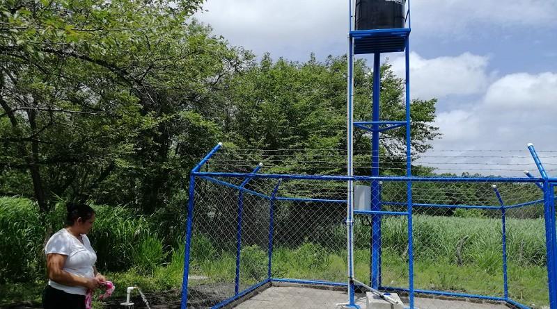 Igualmente, protagonistas de la comunidad San Patricio, jurisdicción de Comalapa inaugurarán el pozo perforado con paneles solares que proveerá el vital líquido a sesenta protagonistas. Inversión: CS C$ 256,000.00