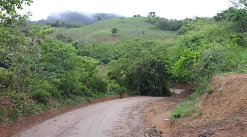 En Matagalpa, en la comunidad El Jícaro, protagonistas del tramo carretero El Tule-Jícaro-Piedra Agua festejarán con la alcaldía la rehabilitación y mantenimiento de cinco kilómetros de camino rural en el cual se invirtió medio millón de córdobas.