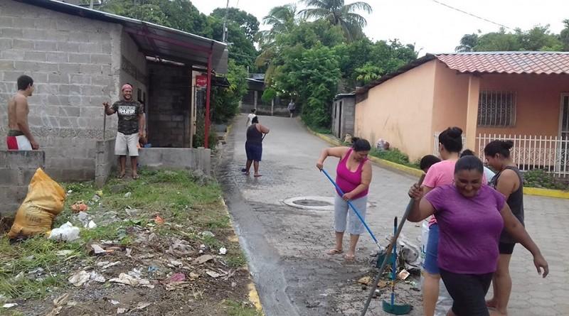 Pobladores de Villa solidaridad se unen a labores de limpieza