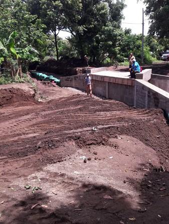 La caja puentes del puente vehicular del barrio Humberto Santa Ana fue construido por el gobierno local de Rivas con una inversión de 827 mil 82 córdobas.