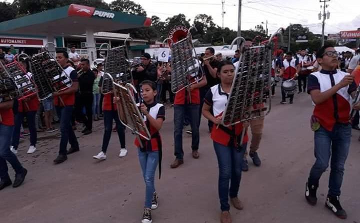A partir del sabado iniciarán los desfiles escolares