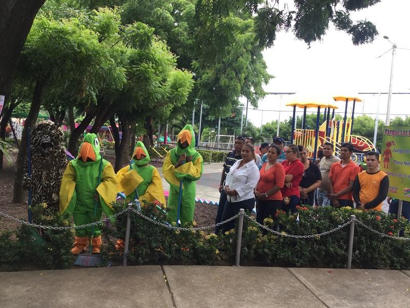 Los chocoyos de Ticuantepe y trabajadores de Enatrel entidad que apadrina el parque El Marañón
