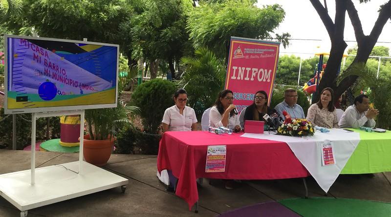 La presidenta de Inifom Guiomar irías, y su directora general, sandra Castillo, y alcaldes de Ticuantepe, Tipitapa y Ciudad sandino