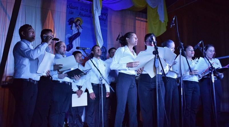 Coro municipal de León canta a la Virgen en víspera de la Gritería Chiquita