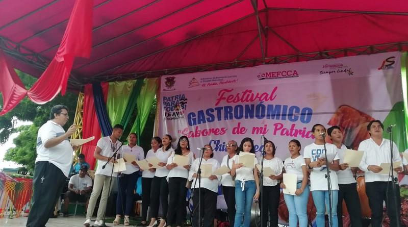 El coro municipal deleitó con sus cantos durante el festival  Sabores de Mi Patria en Chinandega