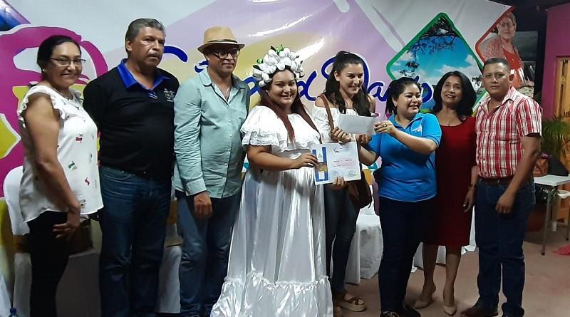 Entrega de reconocimientos en Ciudad Darío