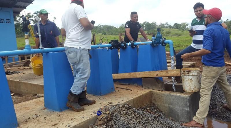 Dos sistemas de distribución comunitaria de aguan potable fueron construidos por la alcaldía de Nueva Guinea en la colonia Talolinga y comunidad Los Laureles con una inversión (FISE-gobierno local-comunidad) de 23 millones 737 mil 323 córdobas