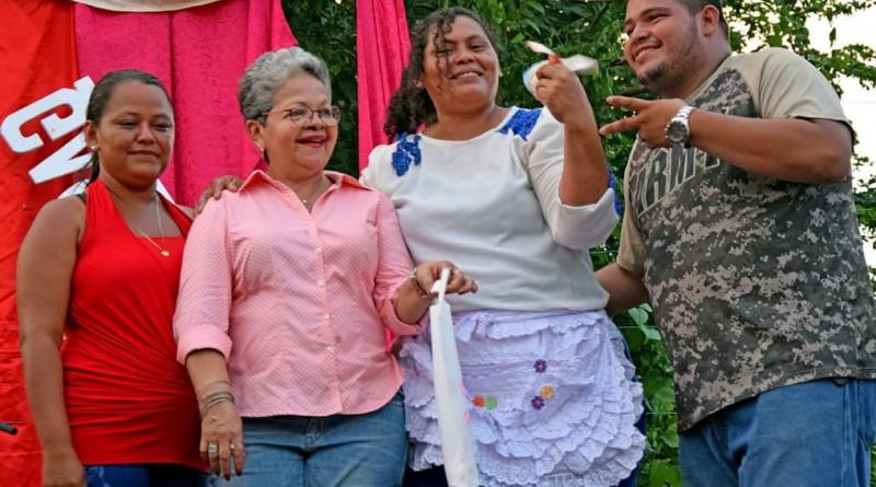 Protagonista de la feria del maíz con la La alcaldesa de Chinandega Aura Lila Padilla