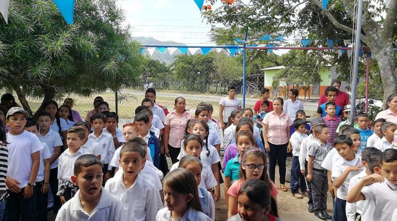 Niños de la escuela El Llano Las Tejas, Jinotega