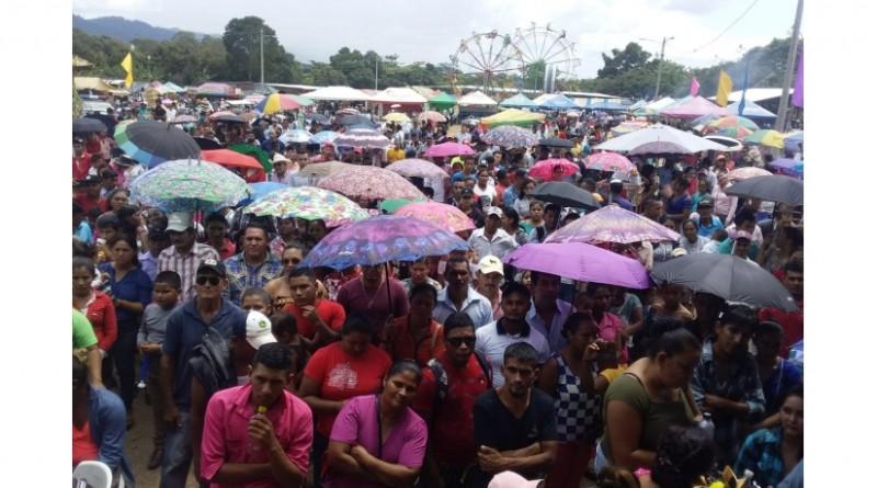 La milpa de Jalapa resultó pequeña para acoger a la población y visitantes externos en la feria Maíz,Tradición y Trabajo