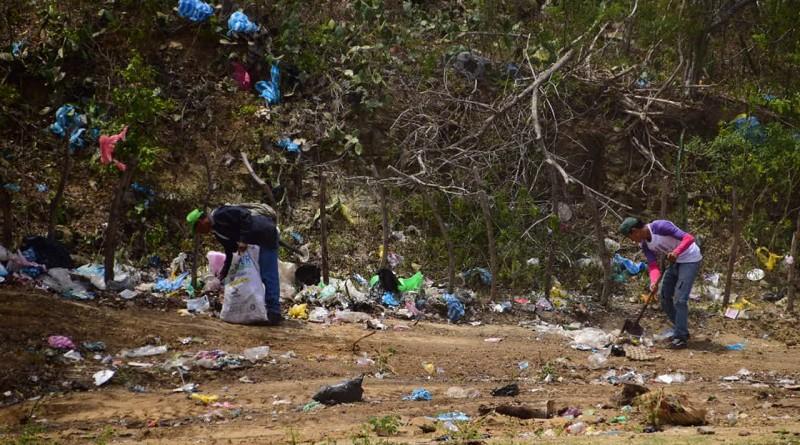El mes que acaba de finalizar se llevó consigo 684 basureros ilegales, disminuyendo la vulnerabilidad de las familias ante las amenazas por el dengue.La foto corresponde a una inmundicia ilegal que ya fue exterminado en Puerto sandino