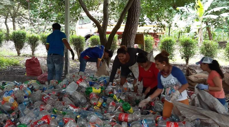 En Boaco reciclando envases