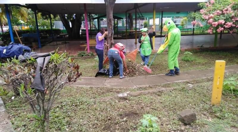 El Chocoyito Limpiado, la mascota acompañó en todas las actividades de limpieza