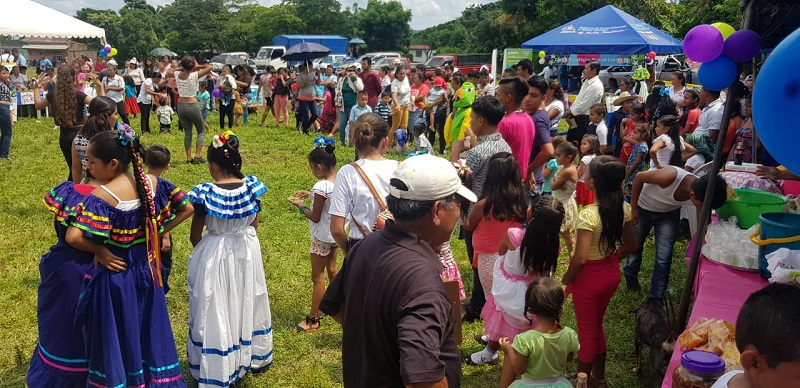 Las ferias, una de tantas actividades para dinamizar la economía local. En la foto Feria del Café en Ticuantepe