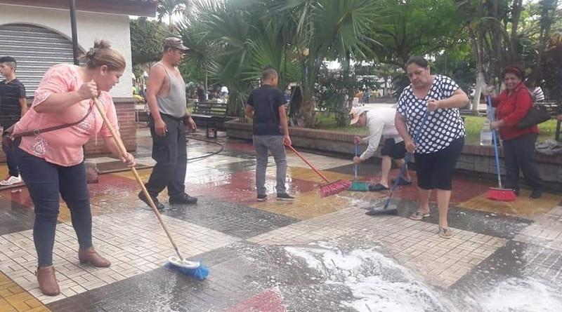 Familias de Estelí, afanadas con la limpieza