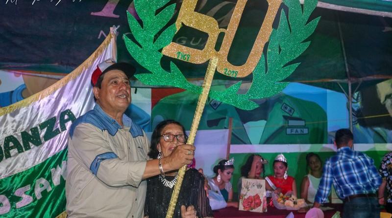 La Diócesis y la parroquia catedral protempore Nuestro Señor de Esquipulas de Siuna, entregó reconocimiento al alcalde del municipio Otilio Duarte durante las bodas de oro de la ciudad