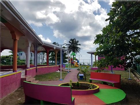 Corn Island:parque de ferias