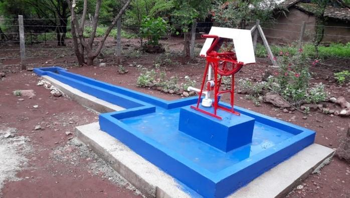Sistema de agua potable en la comunidad La Flor, Ciudad Darío