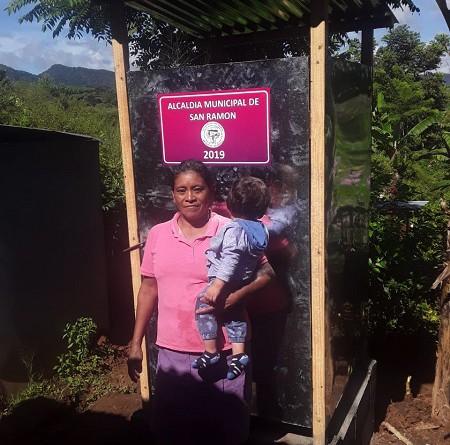 En la comunidad La Grecia en San  Ramón, el gobierno local instaló cuarenta letrinas