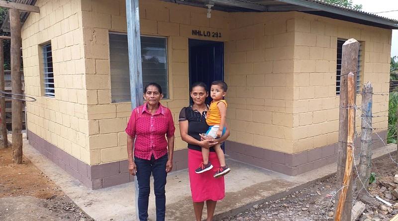 Diez familias recibieron sus viviendas en La Libertad. La inversión fue de tres millones 220 mil córdobas