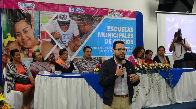 Humberto González, presentó el modelo de economía creativa y naranja