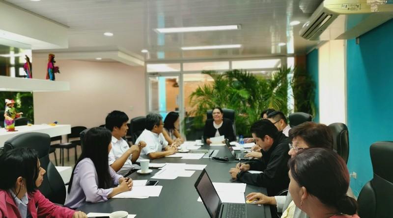 Presidieron la reunión la titular de INIFOM, Guiomar Irías, quien es también la presidenta del Comité Conjunto de Coordinación (CCC), y la señora Hiromi Nai, representante de JICA_ Nicaragua y co- presidenta del CCC. Estuvieron también, Kazunori Yanagawa, experto JICA, y Elgin Flores oficial de programa JICA-Nicaragua, así como miembros del equipo técnico del proyecto.