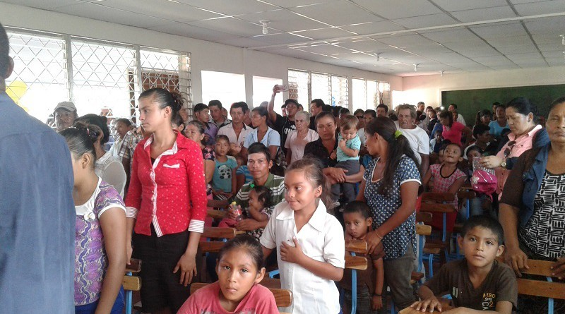 Comunidad educativa celebra el remplazo de escuela en Laguna de Perlas