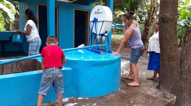 Unidad sanitaria en el barrio Corazón de Jesús, incluye lavanderos y ducha comunitaria