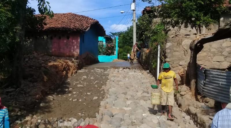 Mejora de camino en la comunidad Vado Ancho  en Santo Tomás del Norte