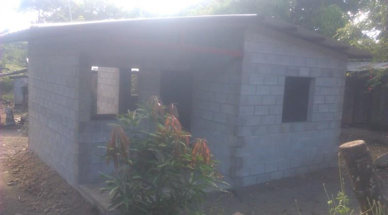 Cinco de estas viviendas para igual cantidad de familias en Hato Grande, Juigalpa