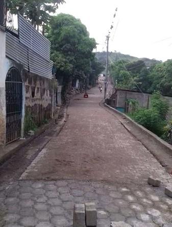 Calle adoquinada en el barrio Santa Teresita en Matagalpa
