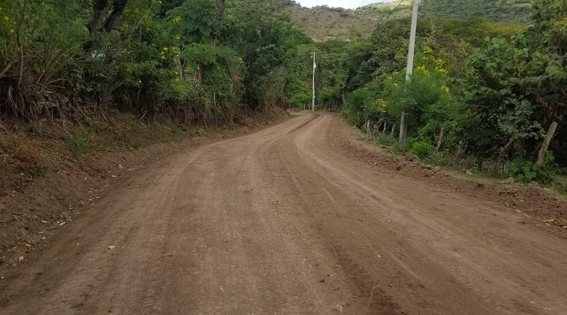 Trecho de cuatro kilómetros El Carao-La Pava en Pueblo Nuevo.