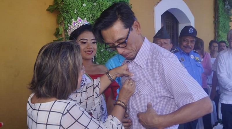 En solemne acto y ante invitados especiales, la alcaldía del FSLN de Juigalpa otorgó  la máxima distinción local orden cultural Gregorio Aguilar al embajador de Corea del Sur, Choi Yong Sam.