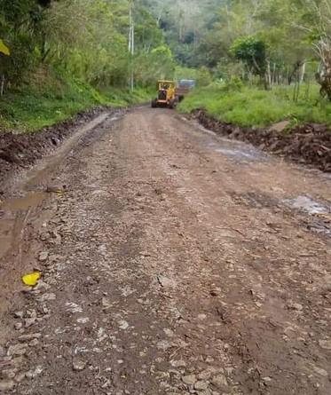 Ocho  kilómetros de caminos fueron mejorados en la comunidad La Reina en Boaco