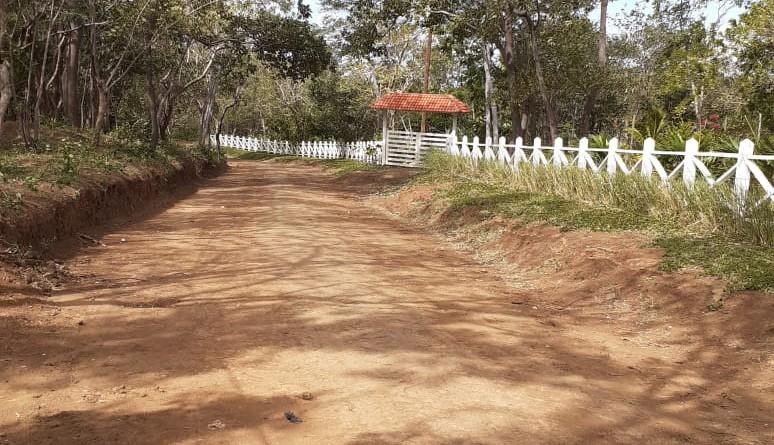 Camino mejorado en la comunidad Los Chocoyos en El Crucero